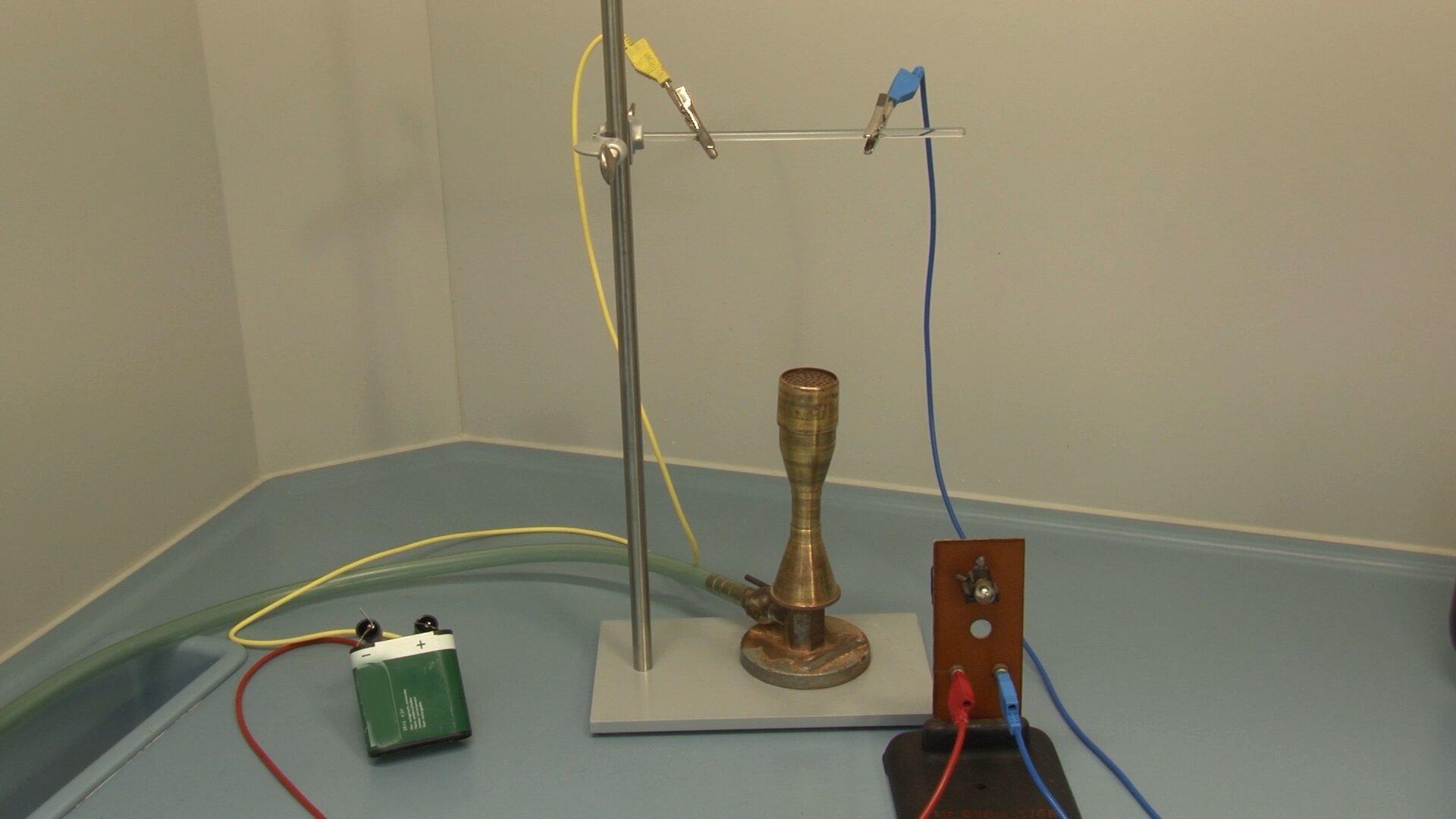 Zdjęcie prostego obwodu elektrycznego
