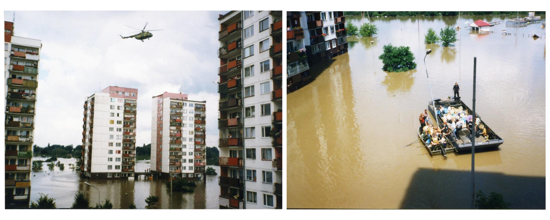 Ilustracja zawiera dwa zdjęcia przedstawiające miasto podczas powodzi na przykładzie Wrocławia latem tysiąc dziewięćset dziewięćdziesiątego siódmego roku. Na lewym zdjęciu na pierwszym planie zalane trawniki iuliczki na osiedlu blokowym. Na zalanym terenie cztery dziesięciopiętrowe bloki. Blok po lewej iprawej widoczny tylko wczęści. Wtle widoczne dwa bloki. Ściany bloków pomalowane na biało. Na balkonach mieszkańcy obserwują zalane tereny osiedla. Nad budynkami unosi się helikopter. Prawe zdjęcie przedstawia zalane tereny na osiedlu oglądane zokna jednego zbudynków. Woda jest mętna ibrązowa, ogładniej powierzchni. Na środku widoczne dwie łodzie zmieszkańcami ewakuującymi się zzalanych terenów. Na lewo częściowo widoczny blok. Widoczne są tylko dwa dolne piętra oraz zalany parter. Po prawej częściowo zalane drzewa ilatarnie.