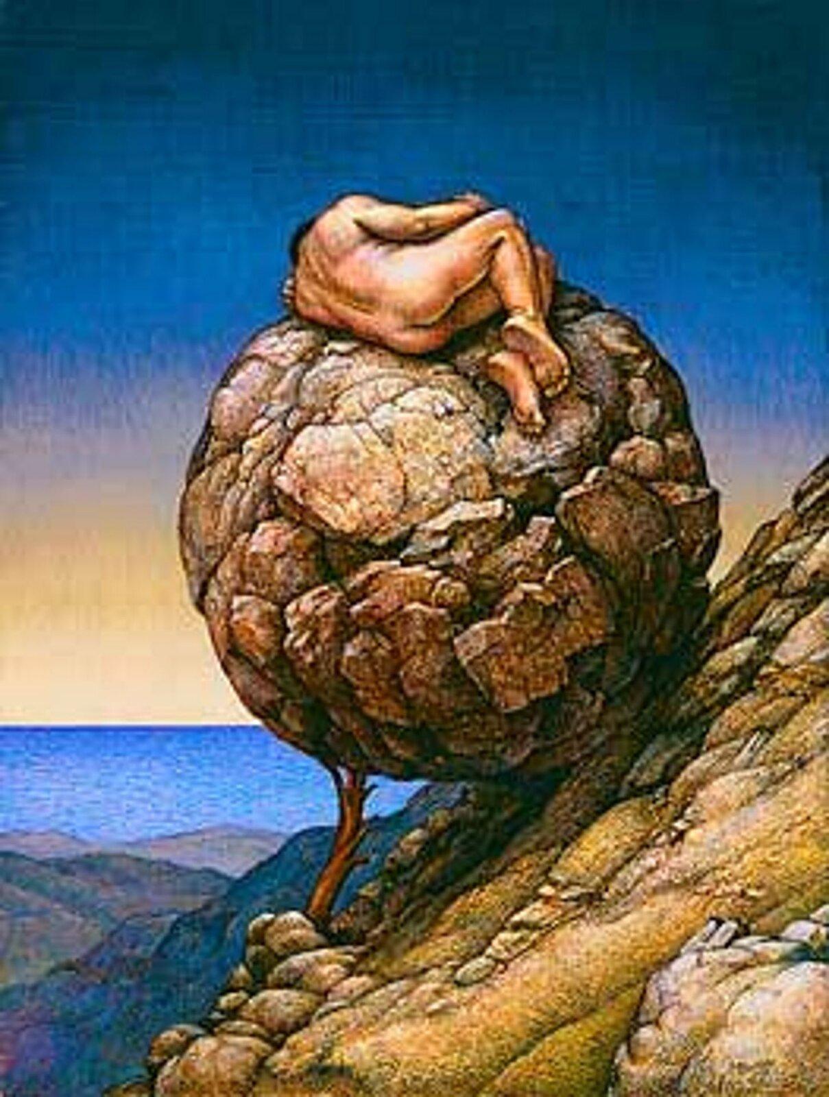 """Ilustracja przedstawia dzieło Michaela Bergta pt. """"Śpiący Syzyf"""". Wcentralnej części obrazu znajduje się wielka kamienna kula podparta gałęzią ozbocze skały. Na kamieniu śpi skulony nagi mężczyzna. Postać ukazana jest ztyłu. Tło obrazu stanowi błękitne morze irozpościerające się nad nim niebo."""