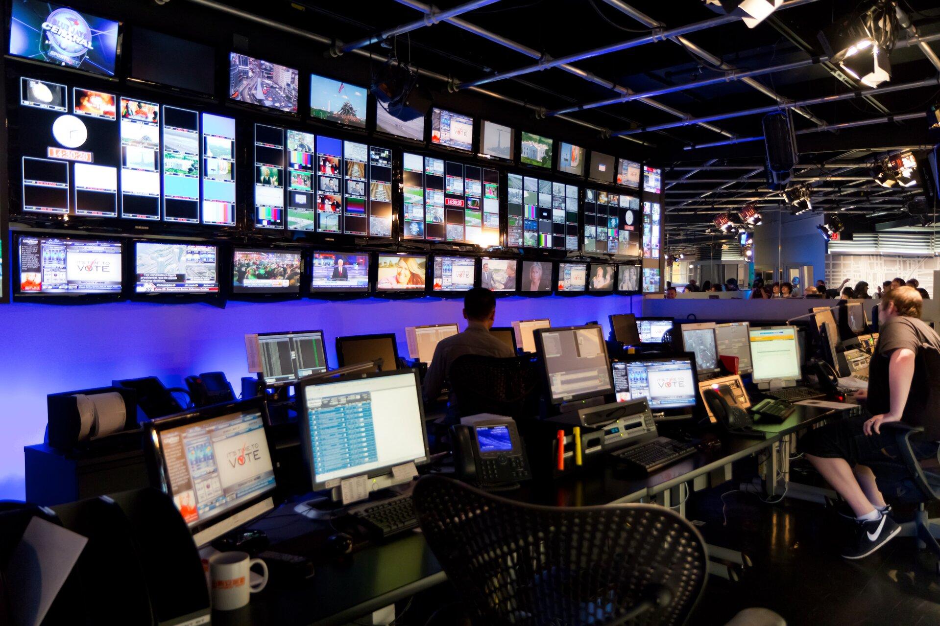 Reżyserka telewizji wKanadzie Źródło: Nayu Kim, Reżyserka telewizji wKanadzie, licencja: CC BY 2.0.