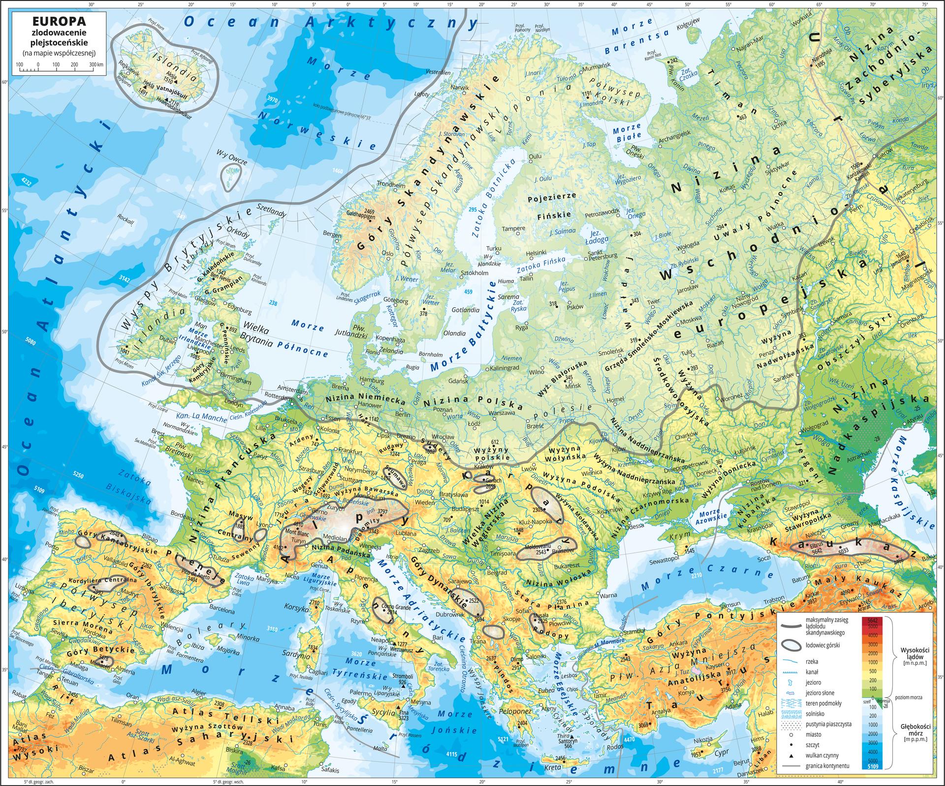 Ilustracja przedstawia współczesną mapę hipsometryczną Europy. Na mapie przedstawiono zasięg zlodowacenia plejstoceńskiego. Wobrębie lądów występują obszary wkolorze zielonym, żółtym, pomarańczowym iczerwonym. Morza zaznaczono kolorem niebieskim. Na mapie opisano nazwy półwyspów, wysp, głównych nizin, wyżyn ipasm górskich, mórz, zatok, rzek ijezior. Na obszarze morza wwybranych miejscach opisano głębokości. Oznaczono białymi kropkami iopisano główne miasta. Oznaczono czarnymi kropkami iopisano szczyty górskie. Czarnym trójkątem oznaczono czynne wulkany. Na mapie szarą linią zaznaczono maksymalny zasięg lądolodu skandynawskiego, atereny które objęło to zlodowacenie są na mapie zamglone. Obejmują one północną część Europy. Lodowce górskie przedstawiono za pomocą biało szarego gradientu obrysowanego szarym konturem. Występują one wgórach środkowej ipołudniowej części Europy. Mapa pokryta jest równoleżnikami ipołudnikami. Dookoła mapy wbiałej ramce opisano współrzędne geograficzne co pięć stopni. Po prawej stronie mapy na dole wlegendzie umieszczono prostokątny pionowy pasek. Pasek podzielono na siedemnaście części. Ugóry czerwony, dalej ciemnopomarańczowy, kolejno pomarańczowy, jasnopomarańczowy iżółty, jasnozielony iciemnozielony, kolejno jasnoniebieski do ciemnoniebieskiego. Opisano izohipsy od zero metrów (poziom morza)do pięciu tysięcy metrów powyżej poziomu morza – wobrębie kolorów zielonych co sto metrów, wobrębie kolorów żółtych co trzysta metrów, wobrębie kolorów pomarańczowych co pięćset itysiąc metrów, wobrębie kolorów czerwonych co tysiąc metrów. Na dole paska odcieniami koloru niebieskiego oznaczono głębokości mórz iopisano izobaty: sto metrów poniżej poziomu morza, dwieście metrów poniżej poziomu morza, tysiąc metrów poniżej poziomu morza, dalej co tysiąc metrów do pięciu tysięcy metrów poniżej poziomu morza. Wlegendzie umieszczono również iopisano znaki użyte na mapie.
