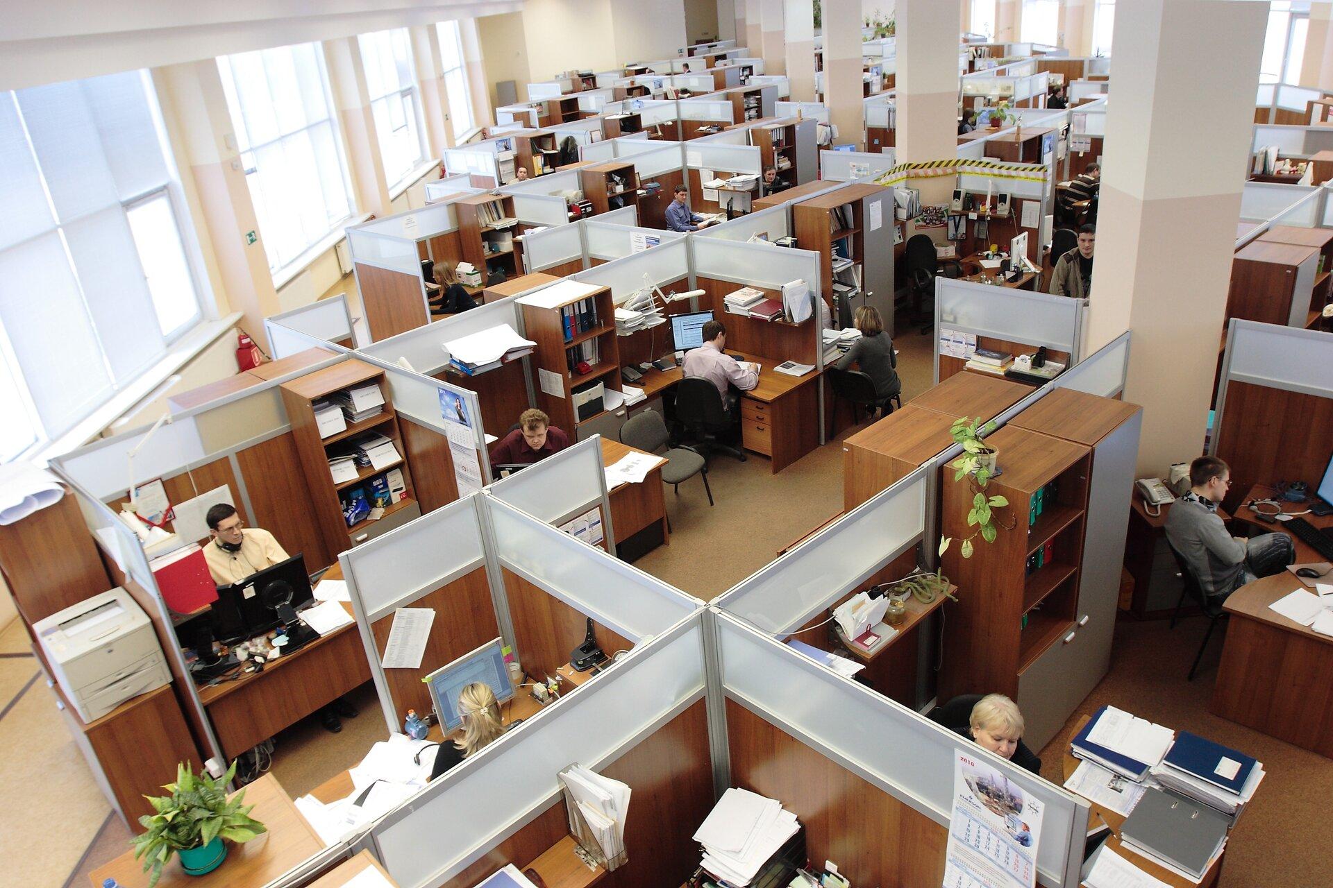 współczesne biuro Źródło: pixabay, współczesne biuro, licencja: CC 0.