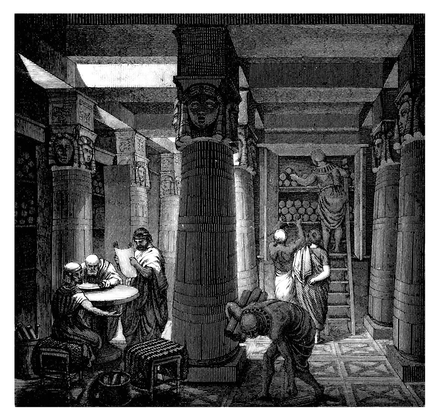 Czarno-biała ilustracja przedstawia wnętrze biblioteki Aleksandryjskiej. Przy stole siedzą mężczyźni zajęci czytaniem. Pozostałe osoby porządkują zasoby układając zwoje na półkach.