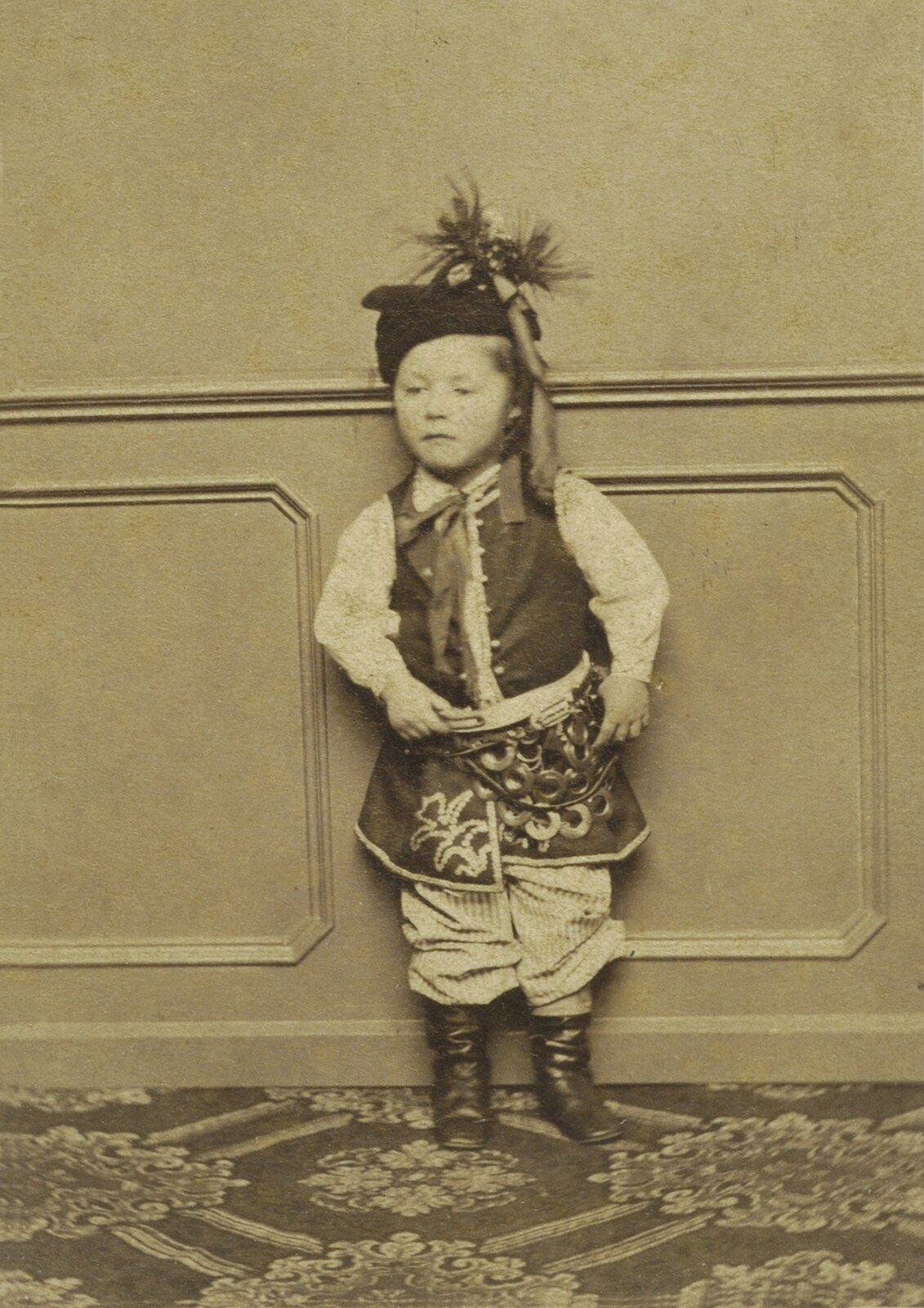 Portret dziecka wstroju krakowskim, ok. 1865 Portret dziecka wstroju krakowskim, ok. 1865 Źródło: domena publiczna.