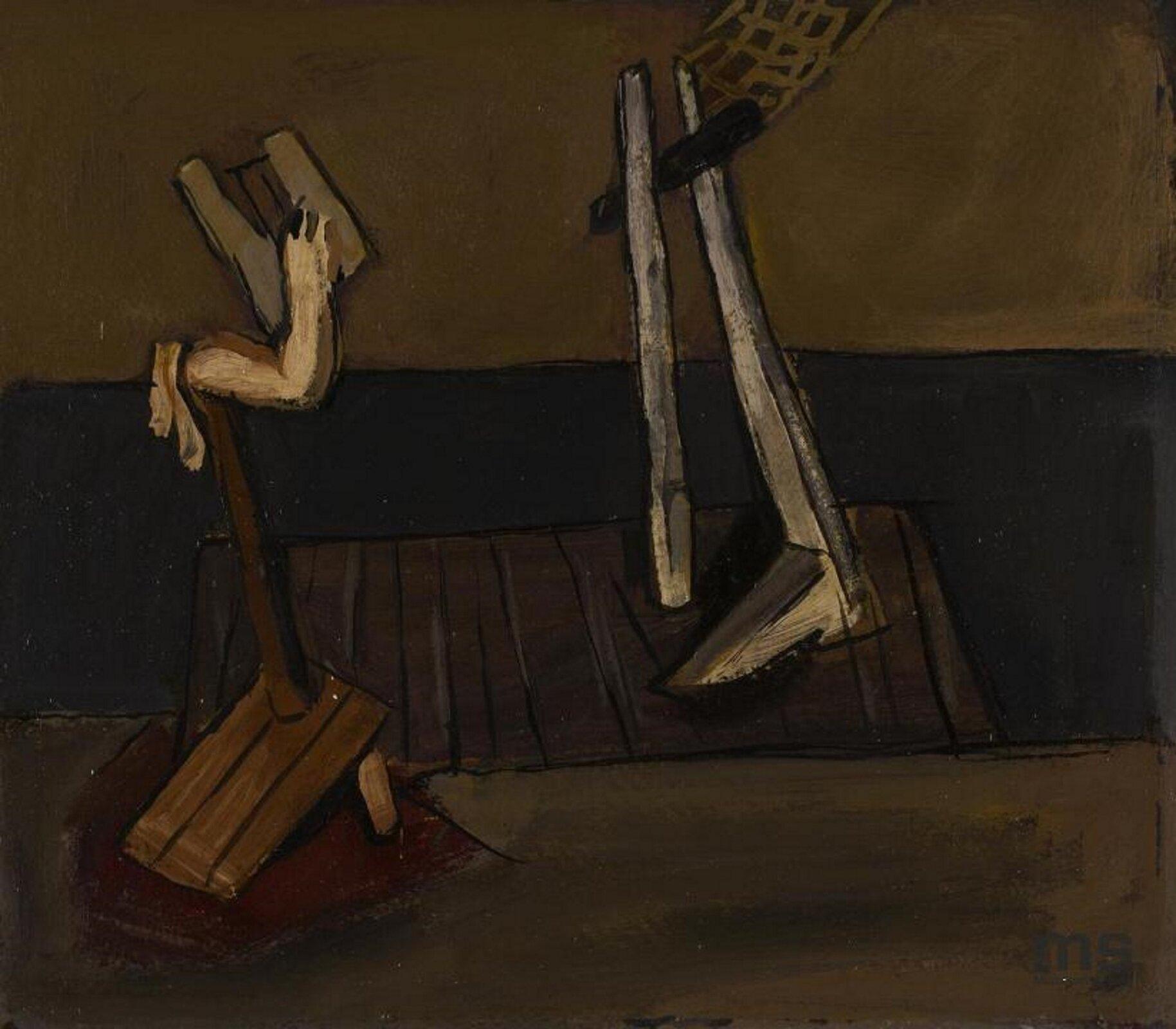 """Ilustracja przedstawia obraz Tadeusza Kantora, będący jednocześnie projektem do inscenizacji """"Powrót Odysa"""". Po prawej stronie na pomoście stoi jedna drewniana noga podparta przymocowanym kijem. Naprzeciw znajduje się trzymająca prowizoryczny instrument strunowy ręka, zamocowana do drewnianej podstawy. Cała praca utrzymana jest wciemnych brązach."""