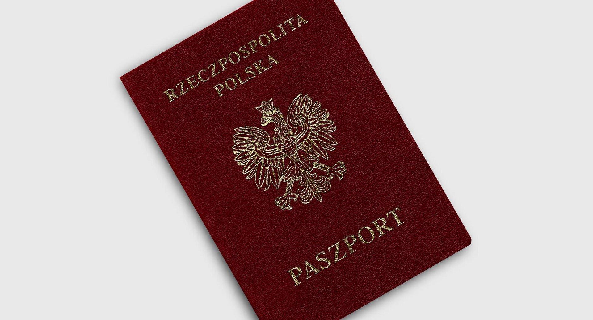 Okładka polskiego paszportu