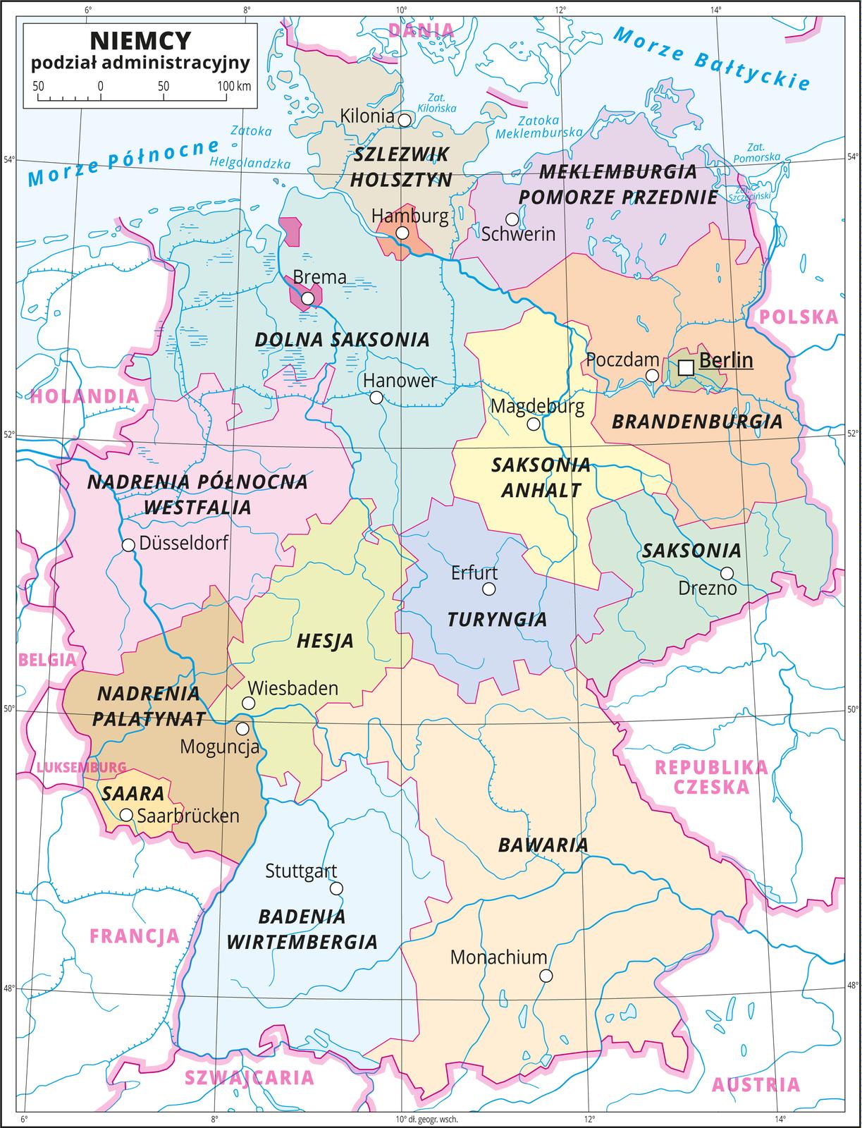 Ilustracja przedstawia mapę polityczną Niemiec zpodziałem na jednostki administracyjne – landy imiasta wydzielone. Kolorami wyróżniono landy: Badenia-Wirtembergia, Bawaria, Brandenburgia, Dolna Saksonia, Hesja, Meklemburgia-Pomorze Przednie, Nadrenia Północna-Westfalia, Nadrenia-Palatynat, Saara, Saksonia, Saksonia-Anhalt , Szlezwik-Holsztyn, Turyngia. Miasta wydzielone: Berlin, Brema, Hamburg. Białymi kropkami oznaczono główne miasta iopisano je. Mapa pokryta jest równoleżnikami ipołudnikami. Dookoła mapy wbiałej ramce opisano współrzędne geograficzne co dwa stopnie.