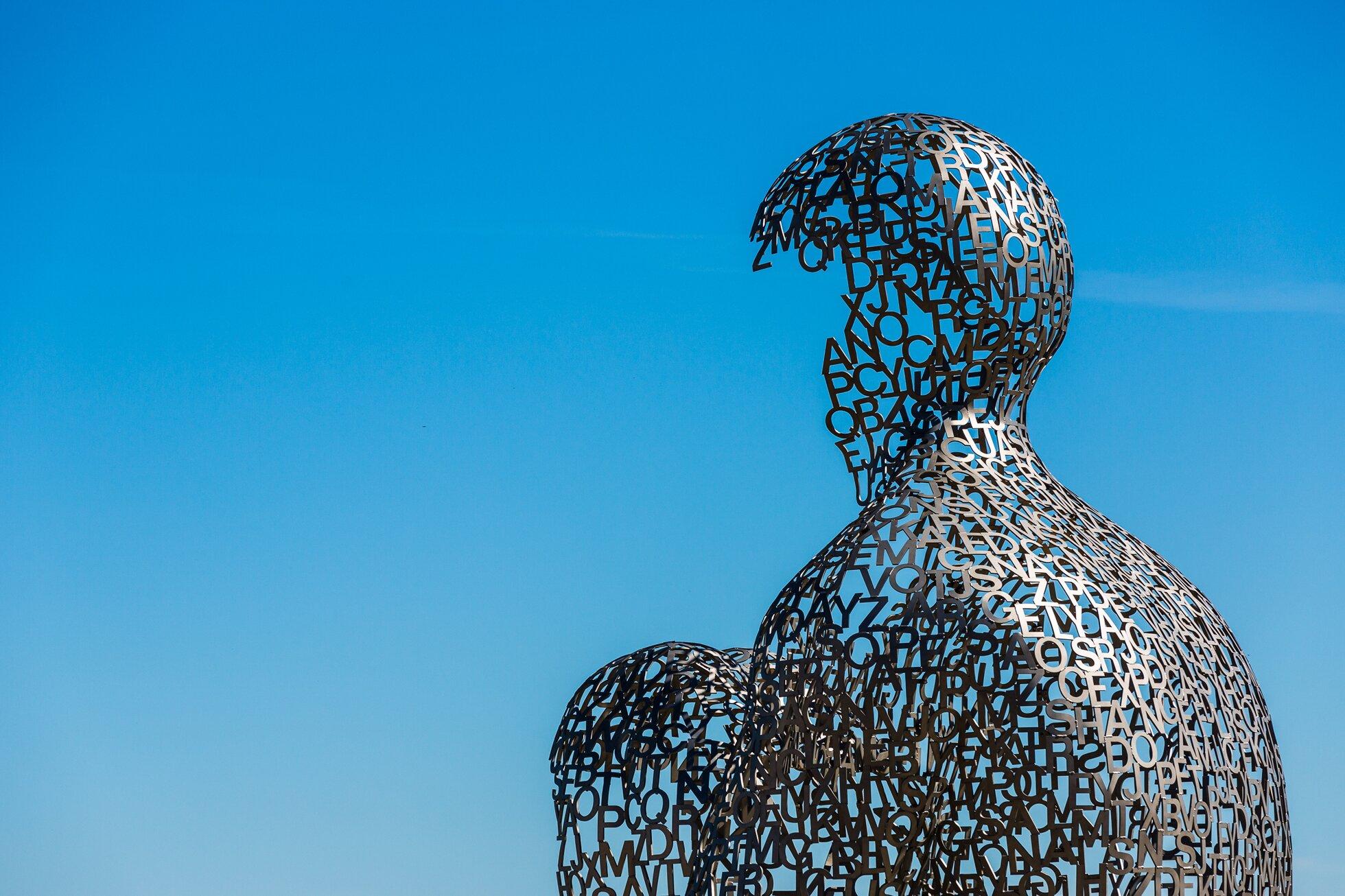 Dom Wiedzy Źródło: Jaume Plensa, Adrien Sifre (fot.), Dom Wiedzy, rzeźba/fotografia barwna, licencja: CC BY-NC-ND 2.0.