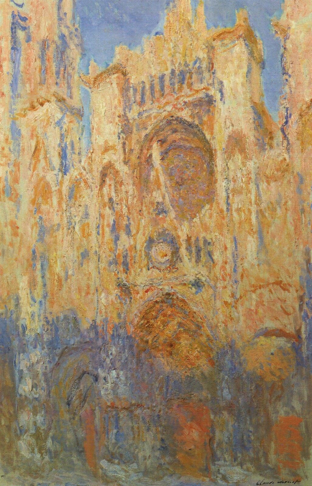 """Ilustracja przedstawia obraz olejny """"Katedra wRouen"""" autorstwa Clauda Moneta. Dzieło ukazuje fasadę katedry Notre-Dame wRouen. Płótno namalowane jest przy pomocą techniki puentylistycznej: drobnymi plamkami czystego koloru artysta stworzył iluzję światła iprzestrzeni. Światło, wyraźną granicą chłodnego iciepłego koloru dzieli fasadę na dwie części. Dolna partia budowli tonie wchłodnych błękitach, fioletach izieleniach drgającego cienia. Górna, szersza część wibruje od żółto-oranżowego światła rysującego drobno rzeźbione elementy architektury. Chłodne, kobaltowo-błękitne niebo zamyka górną część kompozycji. Praca wykonana została wszerokiej gamie barw: począwszy od chłodnych granatów, poprzez fiolety izielenie aż do gorących żółci, pomarańczy iczerwieni. Dzieło jest jednym z20 namalowanych przez Moneta obrazów przedstawiających fasadę katedry Notre Dame."""