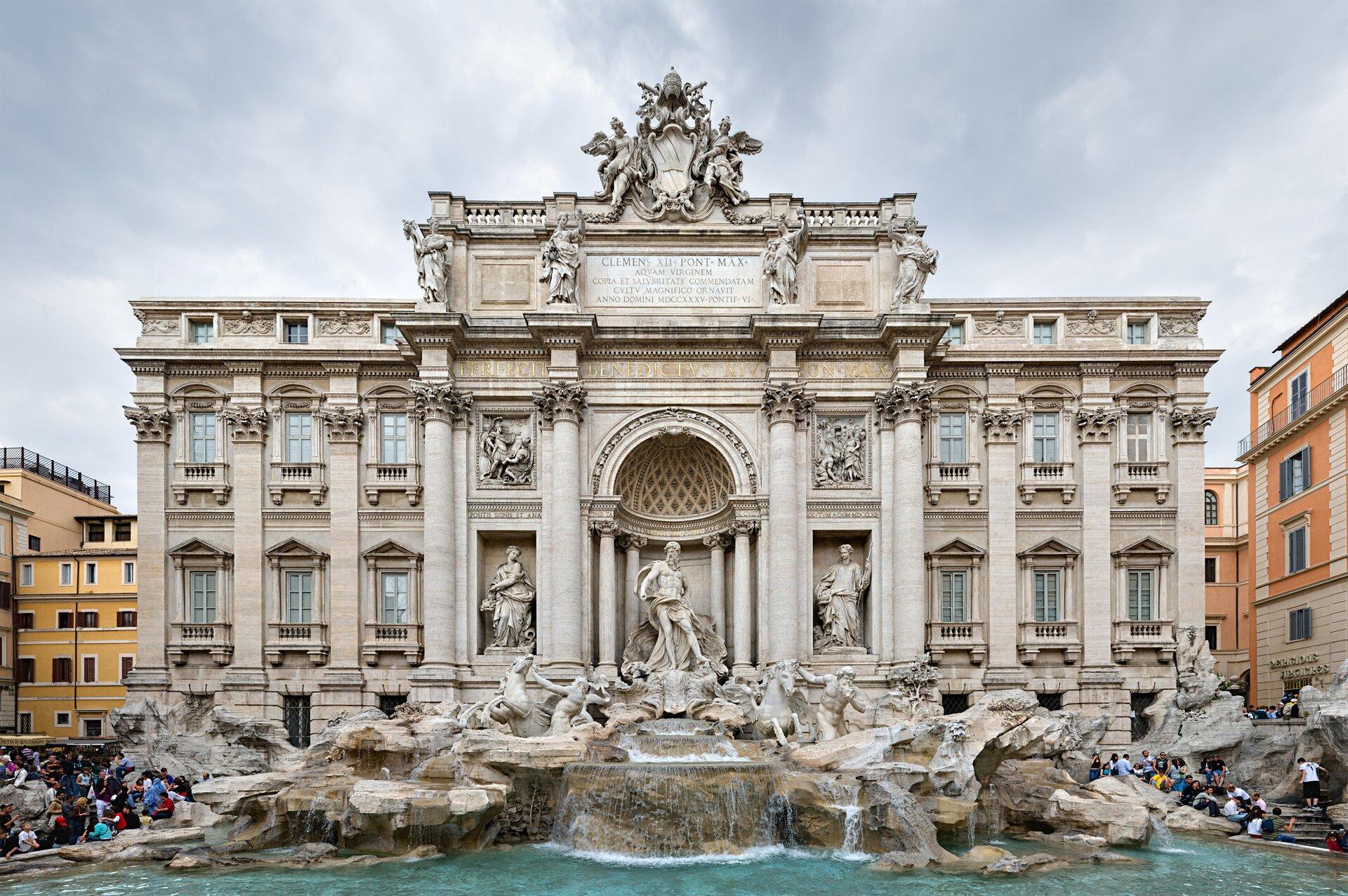 Rzymska Fontanna di Trevi – najsłynniejsza barokowa fontanna wstolicy Włoch Rzymska Fontanna di Trevi – najsłynniejsza barokowa fontanna wstolicy Włoch Źródło: Diliff, licencja: CC BY 3.0.