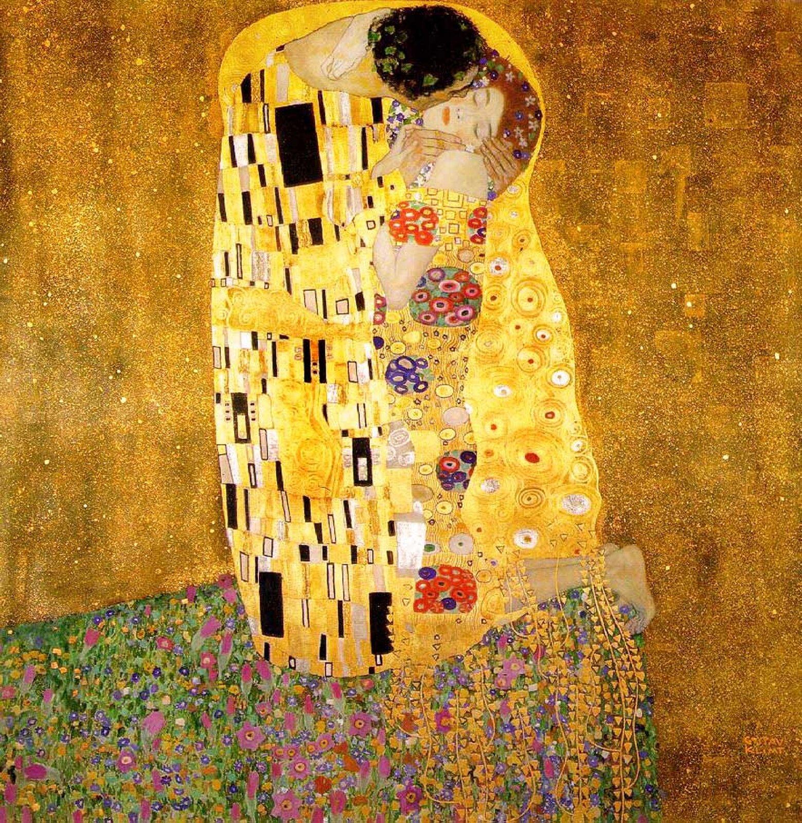 """lustracja przedstawia obraz """"Pocałunek"""" autorstwa Gustawa Klimty. Obraz ukazuje parę zakochanych zawieszonych wusianej gwiazdami kosmicznej przestrzeni skąpanej wblasku szlachetnego metalu. Obie postaci pokazane są wsposób prosty. Ciało mężczyzny objęte jest formami twardymi (czarne prostokąty), akobiety zformami miękkimi (barwne kręgi)."""