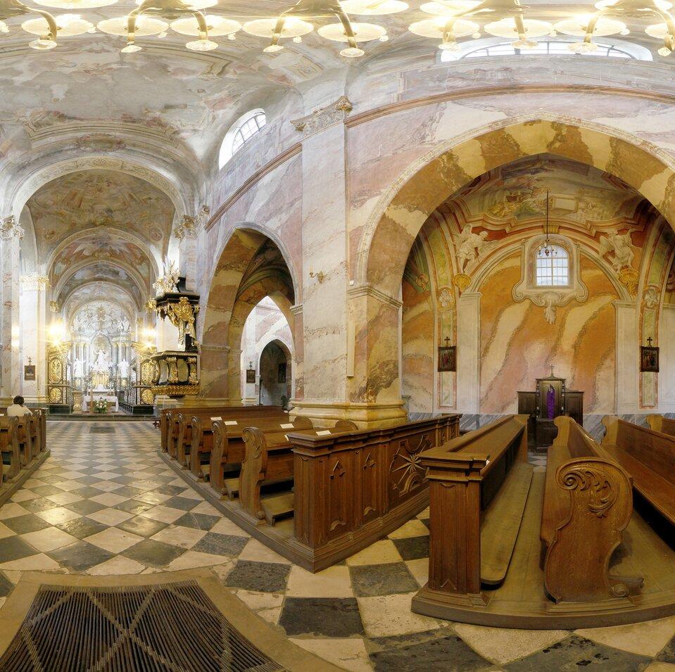 Wycieczka wirtualna po klasztorze wJędrzejowie