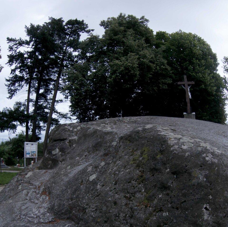 panorama pomnik przyrody głaz Trygław