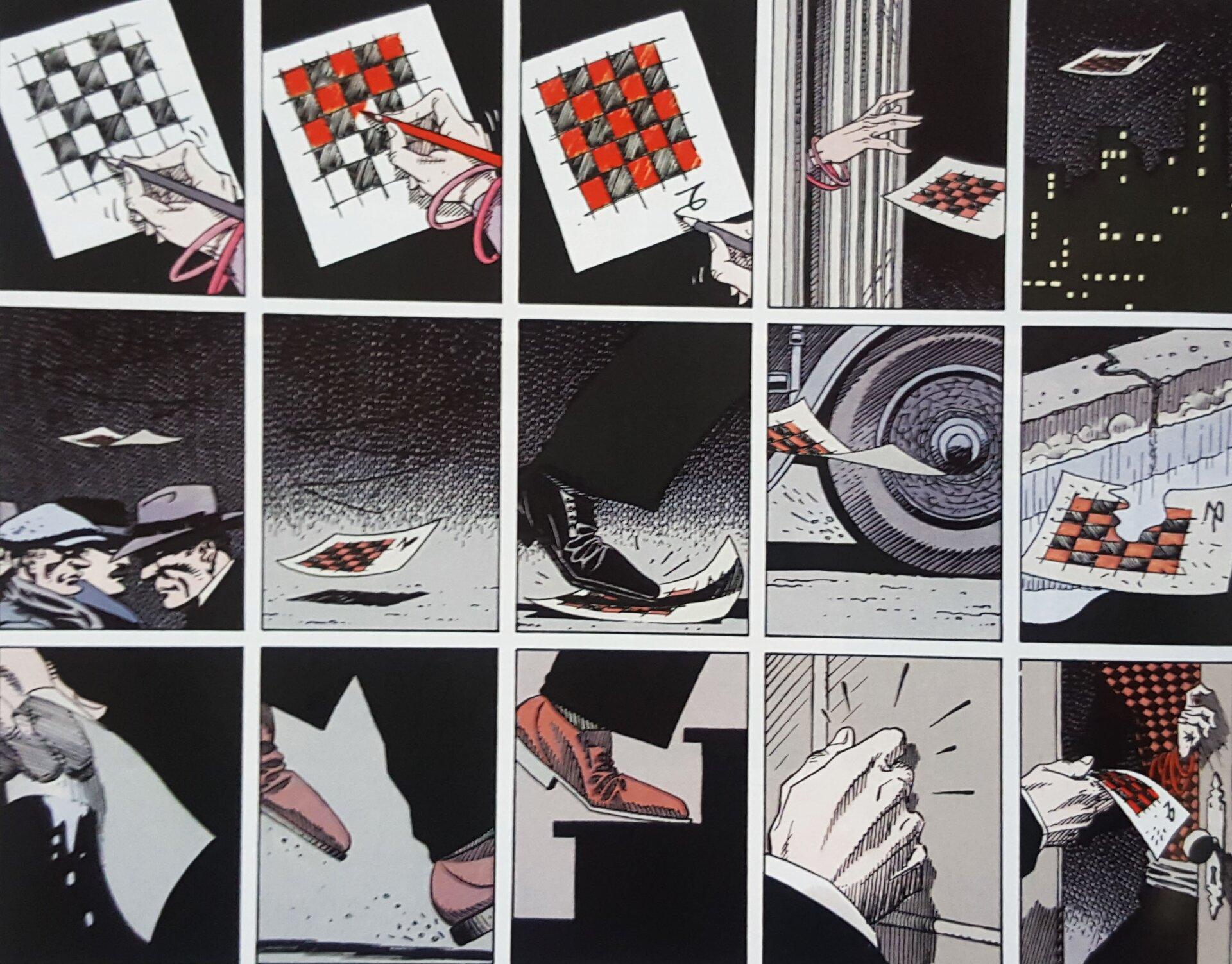 """Ilustracja przedstawia fragment komiksu """"Rork. Koziorożec"""". Ukazuje piętnaście rysunków, po pięć wrzędzie. Wpierwszym rzędzie znajduje się sekwencja zamalowania na kartce białych kratek szachownicy na czerwono, po czym dłoń wyrzuca ją przez okno. Wrzędzie drugim ukazany jest upadek kartki na chodnik, która miota się pod stopami przechodniów, wpada pod koła samochodu iląduje wkałuży. Wtrzecim rzędzie kartka podniesiona jest przez mężczyznę, który udaje się do mieszkania, którego ściana jest pomalowana wmotywie znajdującym się na kartce."""