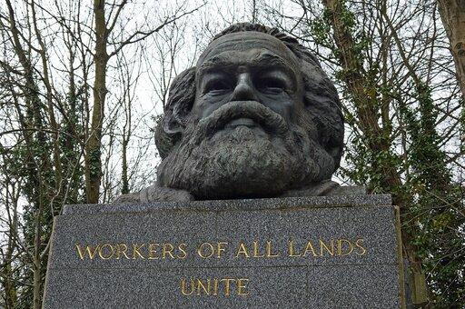 Nowe idee: socjalizm utopijny inarodziny komunizmu