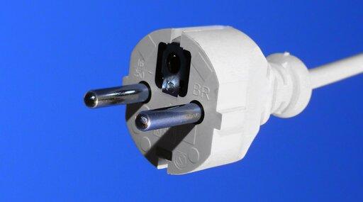 0635 Elektryka prąd nie tyka - ozasadach BHP przy pracy zobwodami elektrycznymi