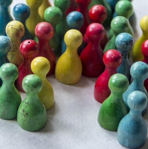 Osobowość: indywidualna czy społeczna charakterystyka jednostki?