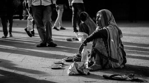 Główne problemy społeczno-gospodarcze najbiedniejszych inajbogatszych państw
